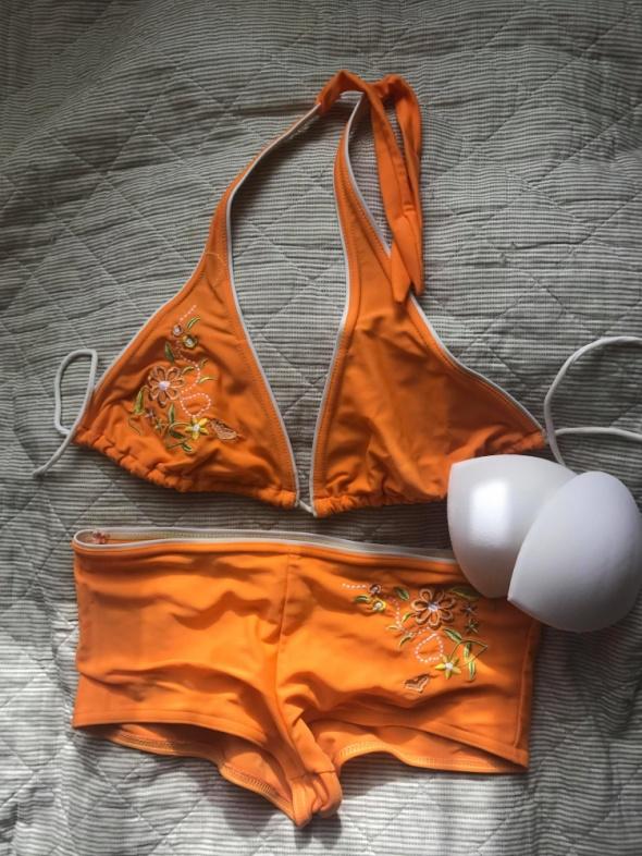 Pomarańczowy kostium kąpielowy dwuczęściowy
