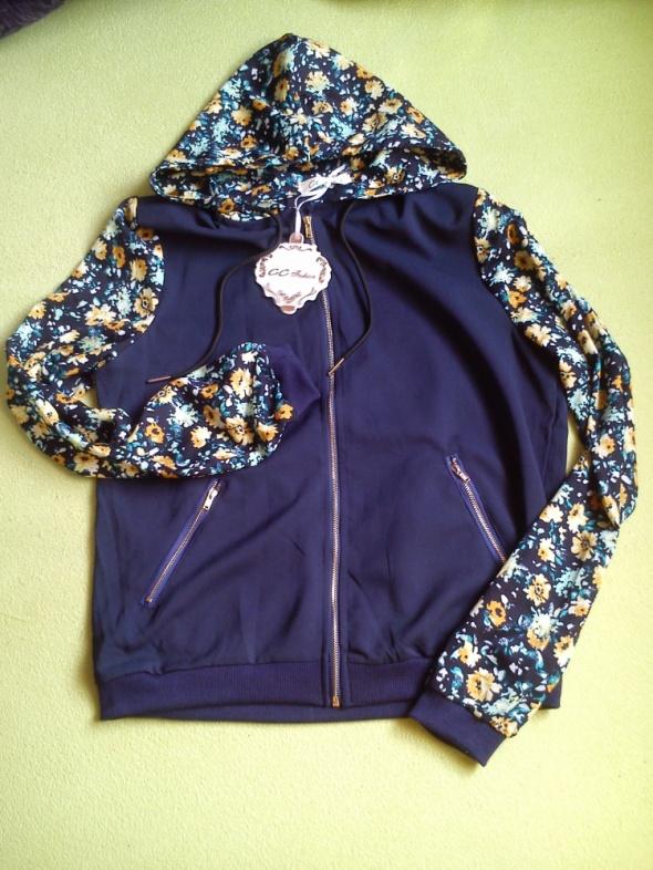 NOWA granatowa bluza z motywem kwiatowym