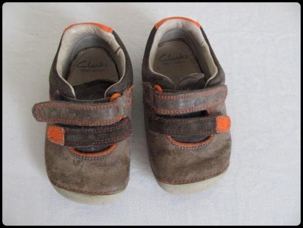 CLARKS Buty dla maluszka wkładka ok 135 cm rozmiar 20 lub 21...