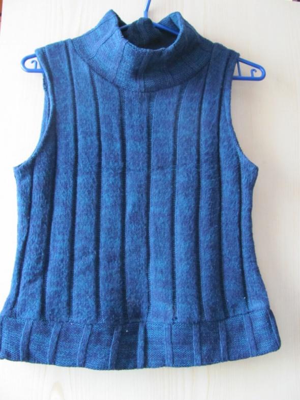 Błękitna kamizelka elegancka