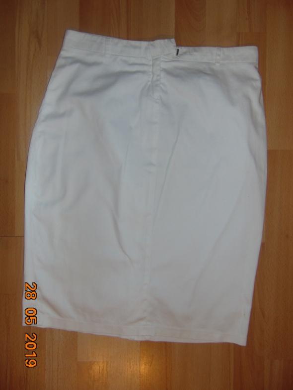 Spódnice Spódniczka L 40