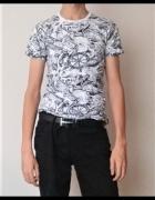 Biało czarna koszulka ze wzorem...