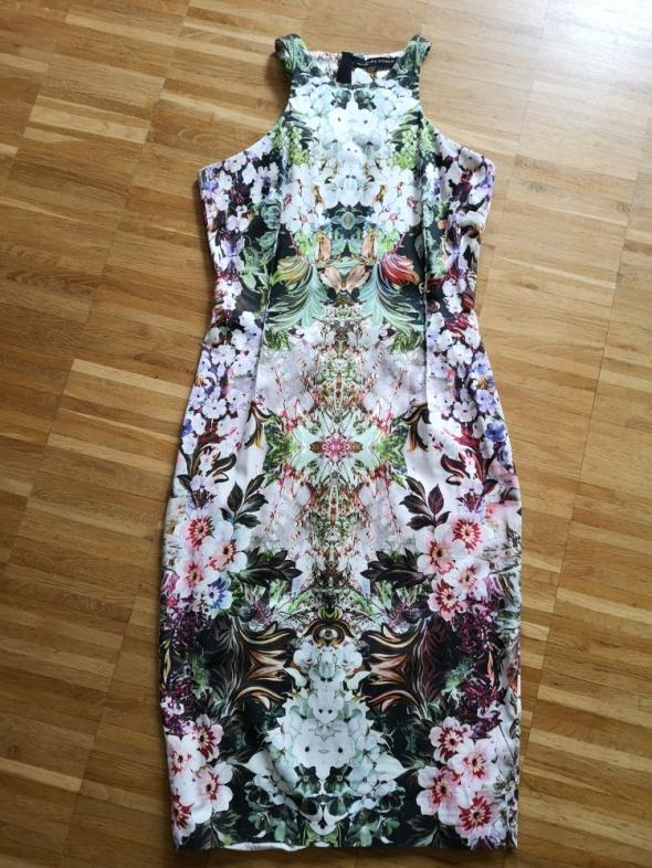 Efektowna sukienka Zara...