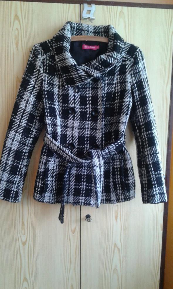 Czarno biały krótki płaszczyk kurtka 36 S krata...