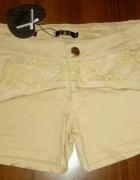 Spodenki beżowe koronkowe szorty