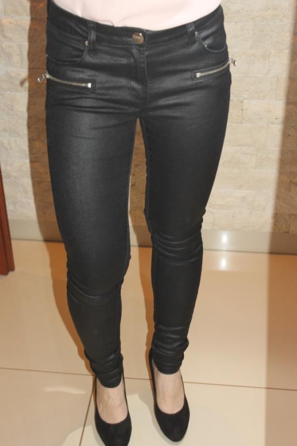 Skórzane czarne spodnie damskie New Yorker 34 w Spodnie