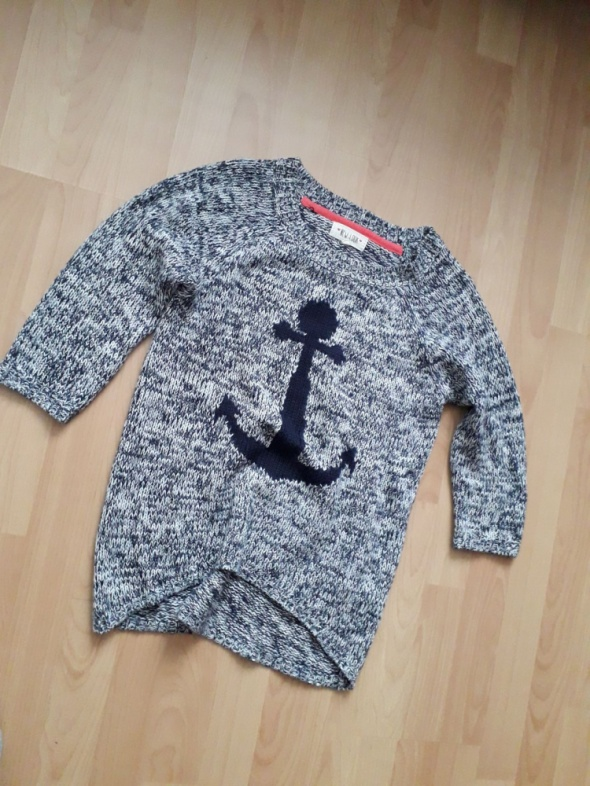 sweter asymetryczny z dłuższym tyłem...
