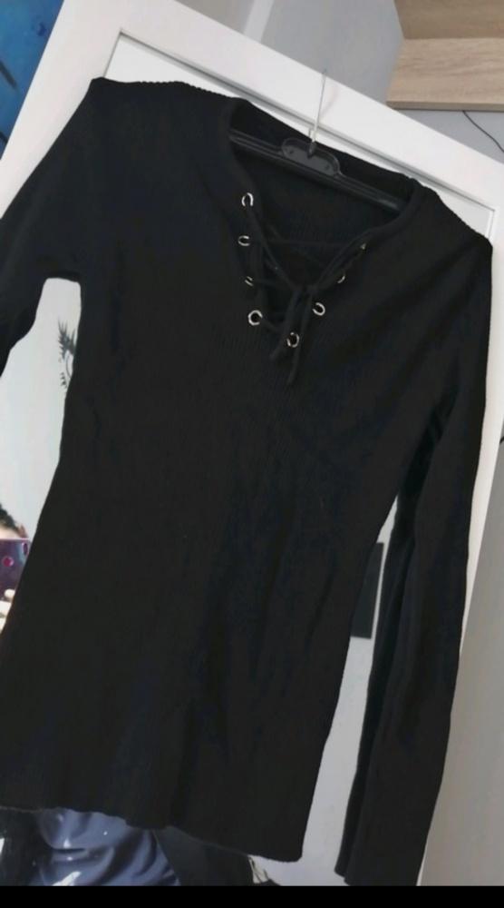 Czarna bluzka wiązana