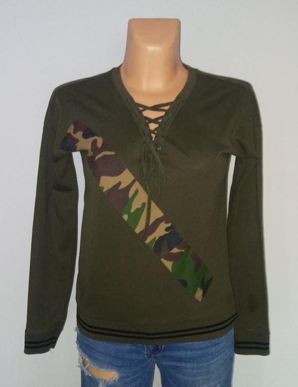 Sznurowany dekolt moro Reserved S bluzka sweter...