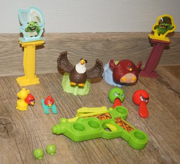 Figurki Angry Birds autko 15 elementów...