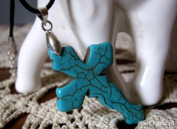 Krzyż z turkusa na rzemieniu dla niej i dla niego...