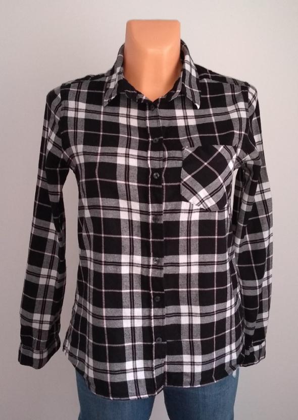 Flanelowa damska koszula w kratę XS...