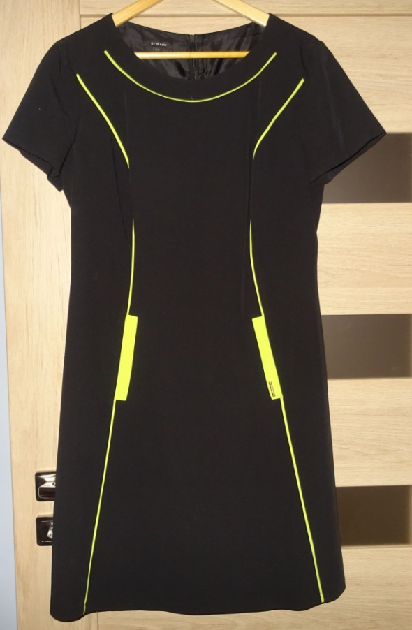 Sukienka czarna rozmiar 44