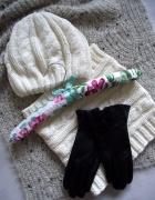 Nowy komplet damska zimowa czapka i komin w kolorze kremowym...