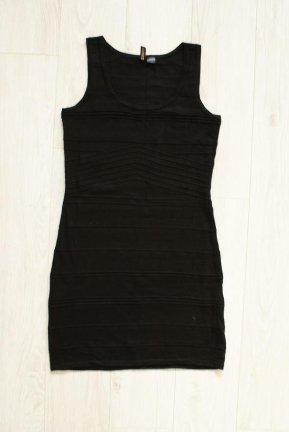 Sukienka H&M bandażowa M mała czarna