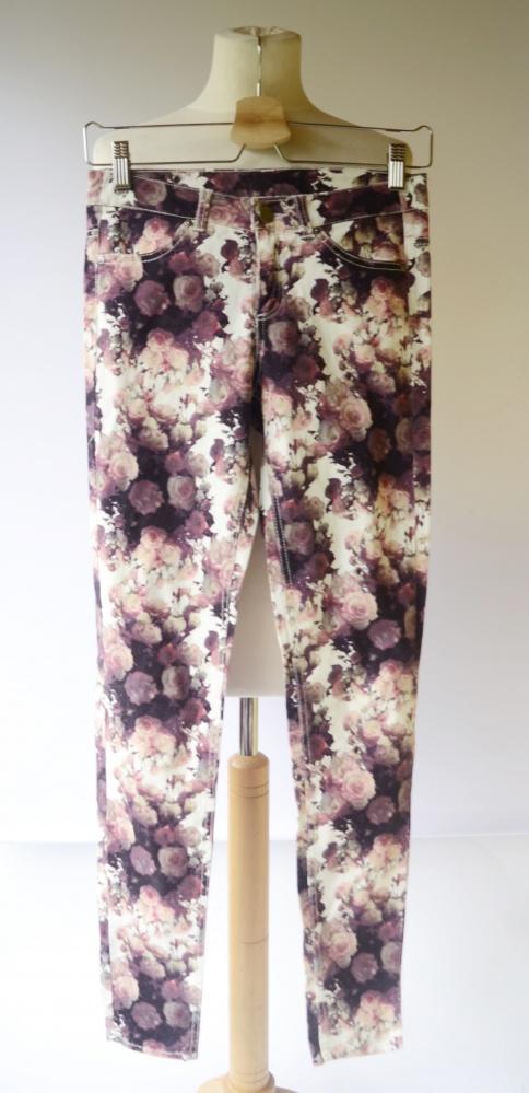 Spodnie H&M Divided XS 34 Kwiaty Rurki Kwiatki Róże...