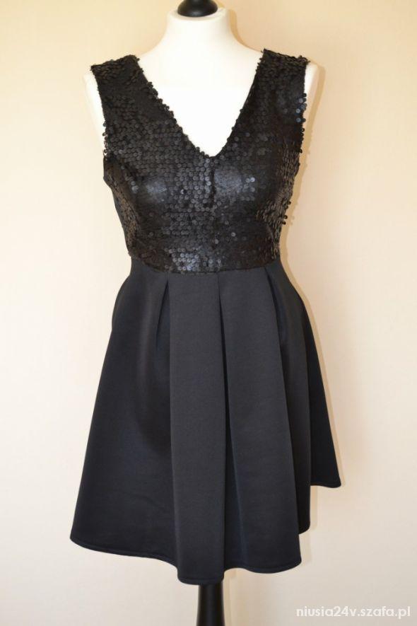 sukienka atmosphere czarna rozkloszowana z cekinam
