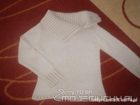 Sweterek damski z rozsuwanym glofem...