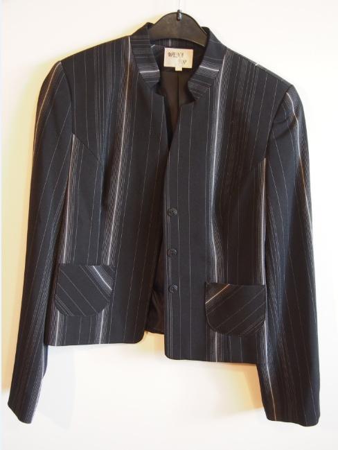 Czarny elegancki komplet żakiet i spodnie...