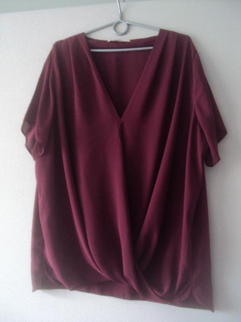 burgundowa zakałdana bluzka...
