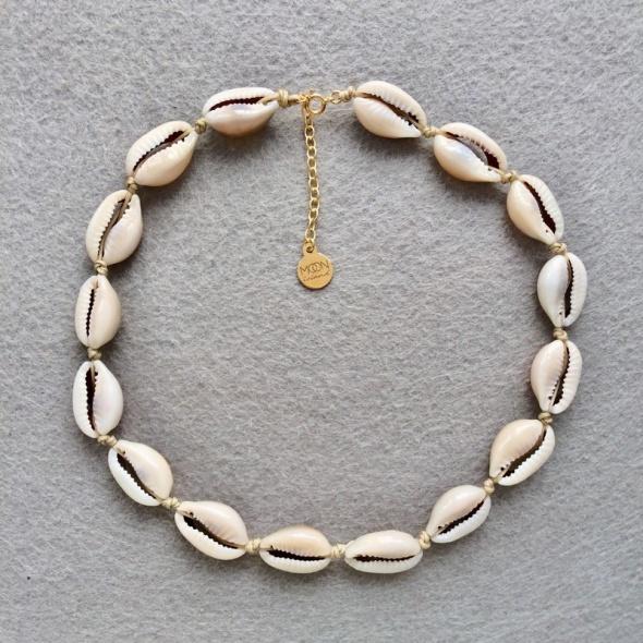 Choker naszyjnik muszelki naturalne kauri bezowy sznurek srebro 925 pozłacane summer must have Roxie