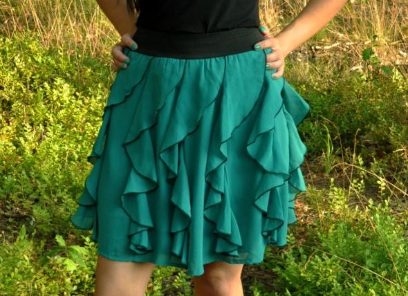 zielona spódnica z falban