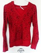 Czerwona cienka bluza bluzka we wzory...