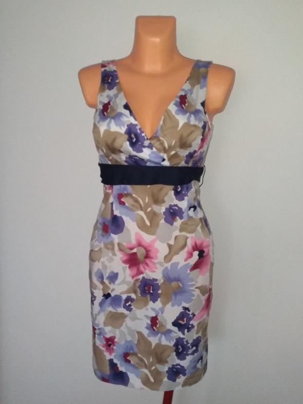 Sukienka w kwiaty S nowa Reserved...