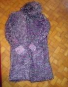 długi sweter z kapturem...
