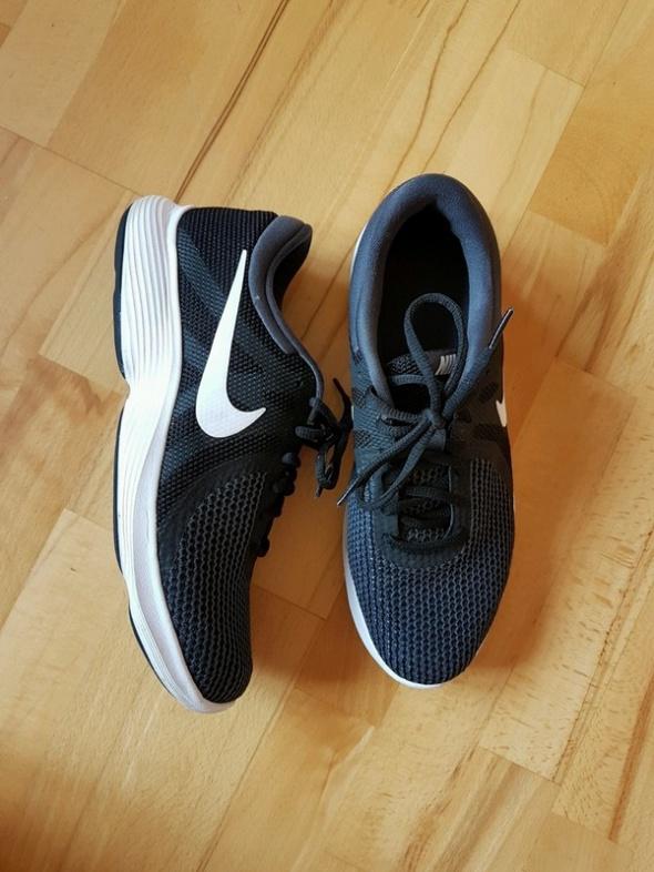 Męskie adidasy Nike Revolution 4EU 43