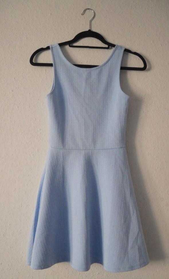 Błękitna sukienka rozkloszowana niebieska H&M 34 XS...