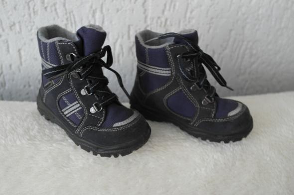 Zimowe buciki chłopięce Super Fit 23...