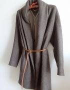 Wełniany płaszcz Massimo Dutti...