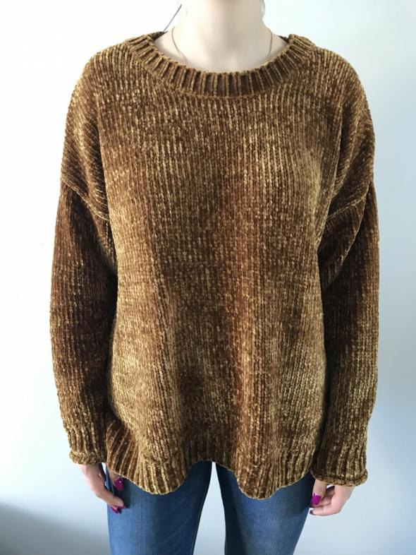 Szenilowy sweter...