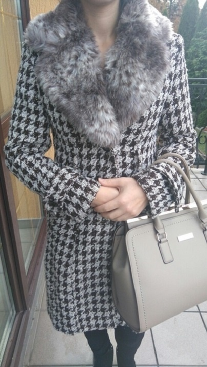 płaszcz pepitka futerko elegancki