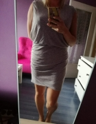 Szara sukienka...