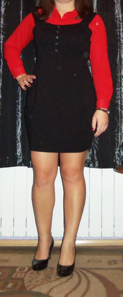 Sukienka na ramiączka czarna tulipanGina Tricot...