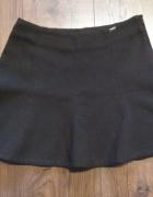 Czarna spódnica rozkloszowana ciepła Cropp Chillin XS...