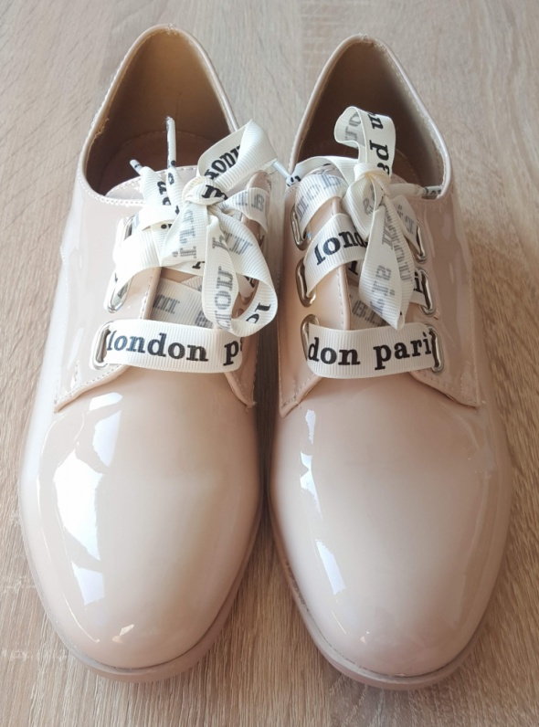 Nowe beżowe buty 39 loafersy loardsy nude kokardy eleganckie la...