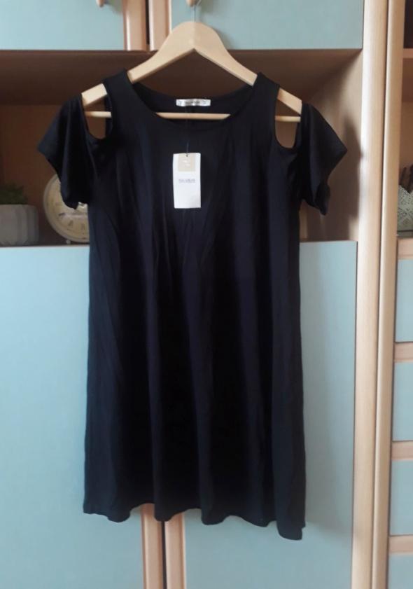 Tuniki Nowa z metką tunika Pull&Bear czarna krótka sukienka z wycięciami oversize