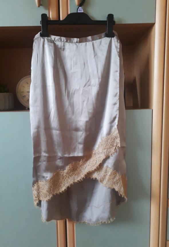 Spódnice Asymetryczna spódnica ASOS z koronką midi maxi koronkowa satynowa