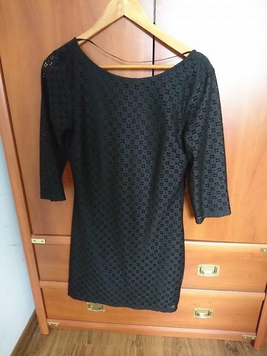 Czarna sukienka koronkowa rozmiar M