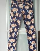 Nowe spodnie w kwiaty rozmiar 36...