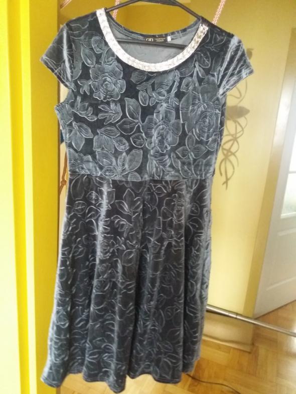 Suknie i sukienki Szara welurowa sukienka