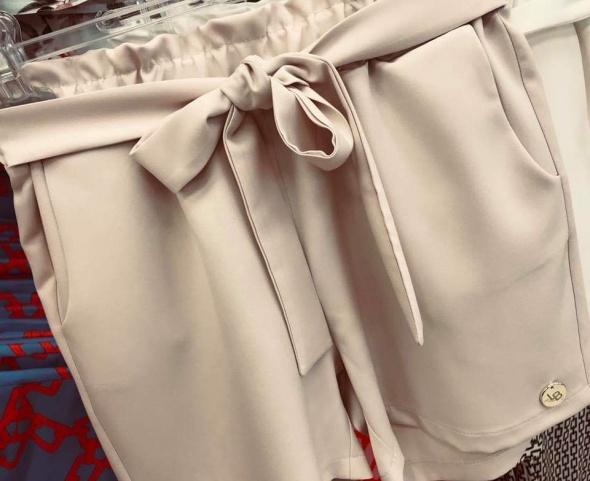 sexy spodenki szorty 40 la blanche beżowe beż