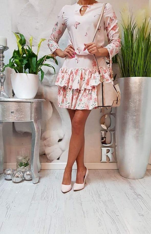 sexy sukienka motyle kwiaty motylki różowa uni falbany glamour...
