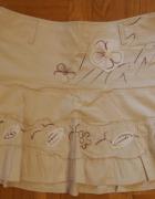 Kremowa krótka spódnica