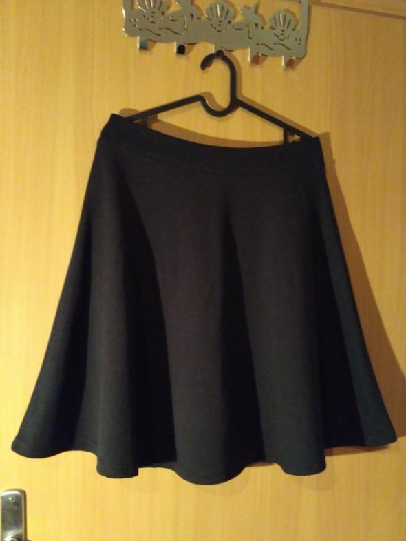 Czarna spódnica Top secret rozmiar 34...