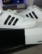 Adidas 385...