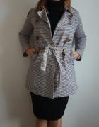 Płaszcz w modną kratę